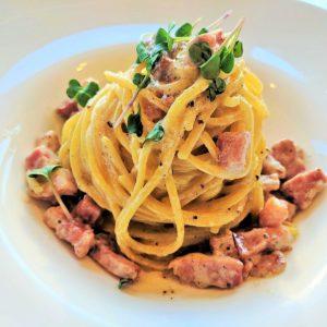 Spaghetti Carbonara restaurant pipera