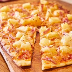 pizza cuptor cu lemne pipera